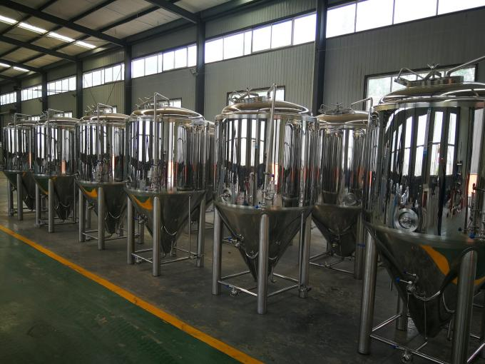 500L Three Vessels Small Brewery Equipment Steam Heating SS304 Materials