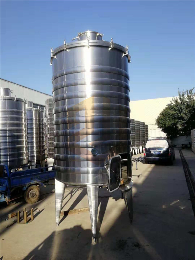 100kg - 20000kg Beer Fermentation Tanks 2000l 3 Years Warranty For Brewery
