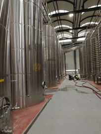 China Bar Stainless Steel Wine Fermentation Tanks Customized Dimension / Capacity supplier