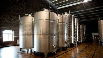 China 4000l Beer Fermentation Tanks For Wine / Fruit Wine Making 3 Years Warranty supplier