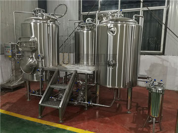 China Customized 500 Litre Beer Brewing Equipment With Three Vessles Brewhouse supplier