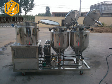 China 2 - 4 Vessels Home Brewing Equipment Flexible / Steel Auger Malt Milling Unit factory