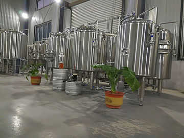 China Sus 304 Commercial Beer Brewing Systems , 200l Small Home Brewing Equipment factory