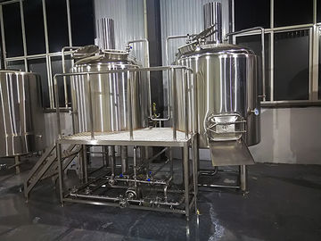 China 500 L Beer Brewing Equipment , Microbrewery Equipment With Two Vessels factory